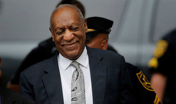 Bill Cosby sale en libertad   Foto: EFE