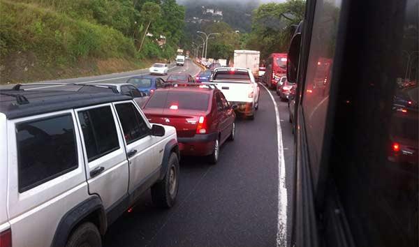 Retraso vehícular en accesos a Caracas | Foto: Vía Twitter