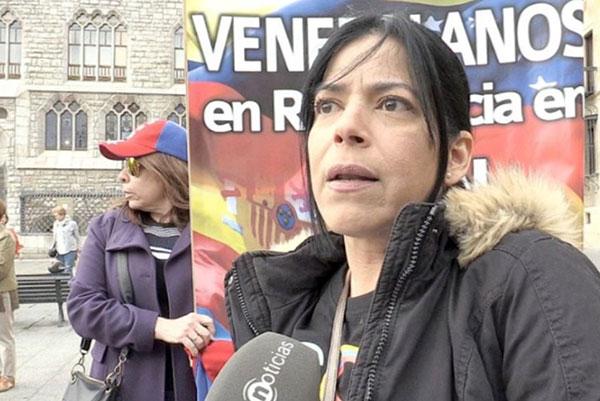 Patricia Carrera entregó 13.000 firmas al Parlamento Europeo pidiendo apoyo para Venezuela | Foto cortesía