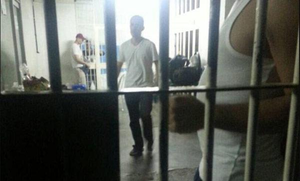 Efectivos de Polichachao protestan en el SEBIN (22/06)| Foto: @jesusmedinae