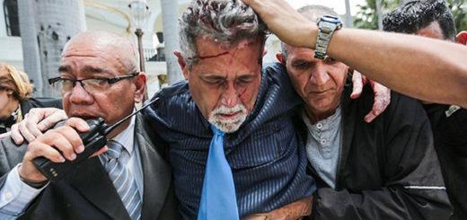 Chile condena violencia en el Parlamento venezolano y llama al diálogo   Foto: AP