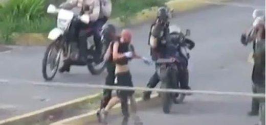 Así golpeó la GNB a un joven en Lechería |Captura de video
