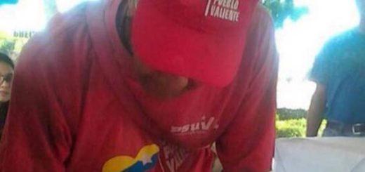 Venezolano chavista asiste a Consulta Popular |Foto: Twitter