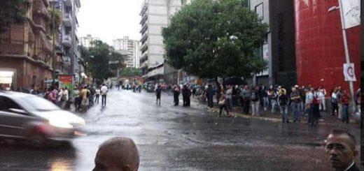 Trancazo y paro de transporte dejan en caos a Caracas este #19Jul   Foto: Twitter
