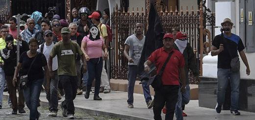 Así fue el premeditado y sangriento asalto chavista al Palacio Federal   Créditos: AFP