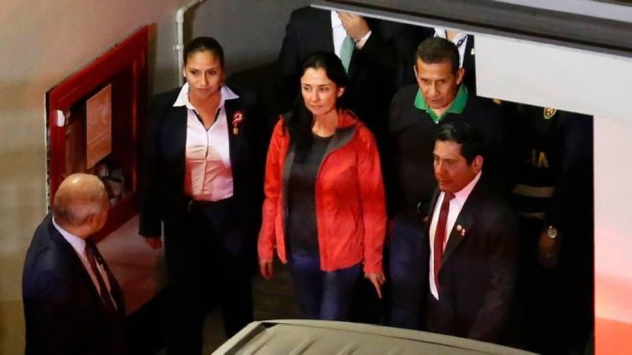 Ollanta Humala siendo arrestado junto a su esposa  Foto: BBC Mundo