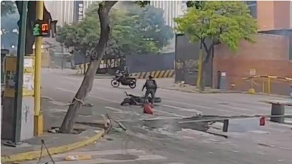 GNB roba moto donde se trasladaba el violinista  Foto: La Patilla