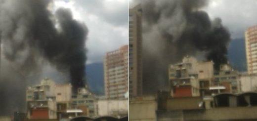 Reportan fuerte incendio en Sabana Grande  | Foto: Twitter