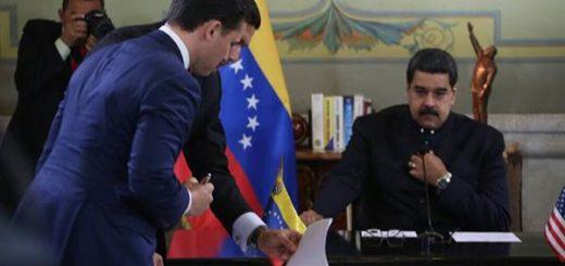 Nicolás Maduro firma acuerdos con empresarios de EEUU  Foto: @MinPetroleoVe