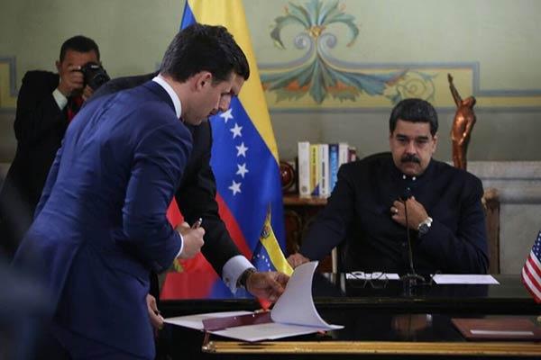 Nicolás Maduro firma acuerdos con empresarios de EEUU |Foto: @MinPetroleoVe