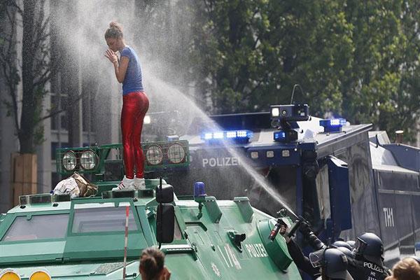 Protestas en Hamburgo durante la Cumbre del G20   Créditos: EFE