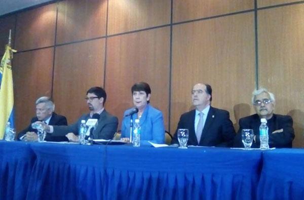 MUD presentó a los rectores que velarán por el plebiscito el 16 de julio | Foto: @unidadvenezuela
