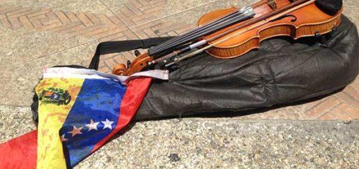 Así quedó el violín de Wuilly Arteaga |Foto: Twitter