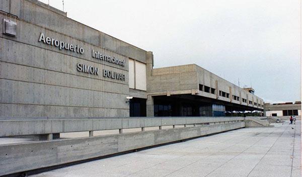 Estacionamiento del Aeropuerto de Maiquetía | Foto: Archivo