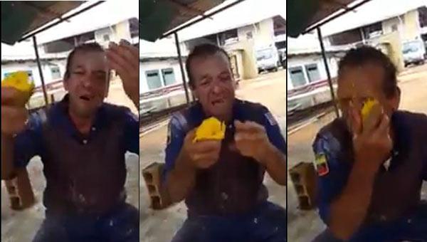 Hombre comiendo mango se queja del Gobierno | Captura de video