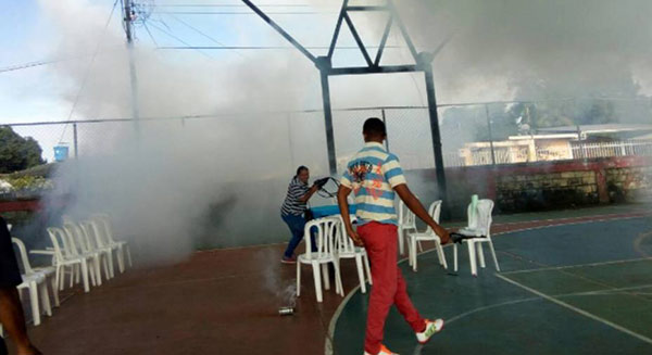 Lanzaron bombas lacrimógenas en punto soberano   Foto: Twitter