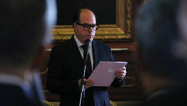 Julio Borges en el Palacio Federal Legislativo | Foto: Twitter