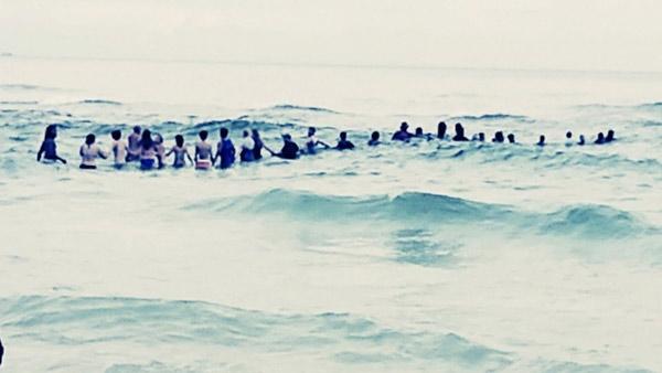 Cadena Humana salva a familia | Foto: captura de video