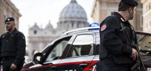 Policía italiana en el Vaticano | EFE