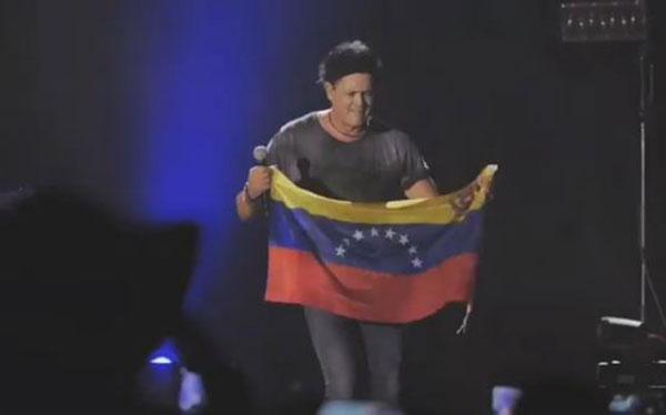 Carlos Vives se solidariza con Venezuela durante concierto en Canadá | Captura de video