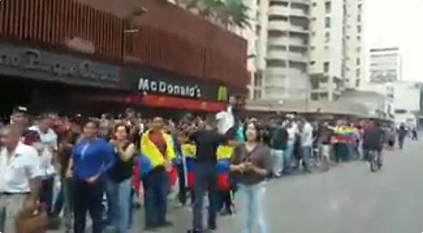 Cola para votar en la Candelaria | Foto: captura de video