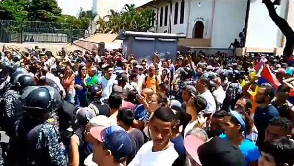 Ciudadano de Catia corrieron a PNB y oficialistas | Captura de video