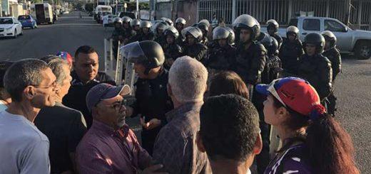 Policía impidió instalación de punto soberano | Foto: Twitter