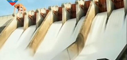 Represa de El Guri abre sus compuertas por primera vez en 8 años | Foto: Captura de video