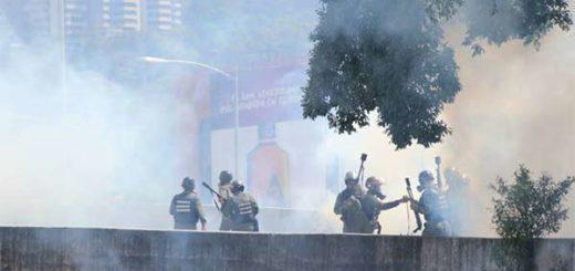 GNB reprime y detiene a opositores que marchaban hacia el TSJ #6Jul | Foto: La Patilla