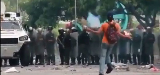 Joven de la Resistencia en enfrentamiento con efectivos de la GNB | Captura de video