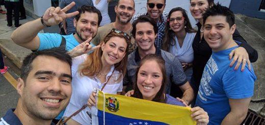 Venezolanos en el exterior votan este 16-Jul | Foto: Twitter