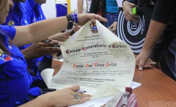 Perú reconocerá títulos a profesionales venezolanos | Foto: Notilogía