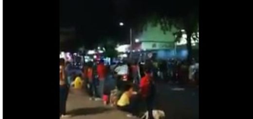 Venezolanos buscan comida en Colombia |Captura de video