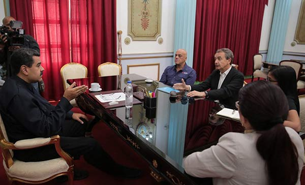 Maduro sostuvo encuentro con Zapatero en pro del diálogo en Venezuela