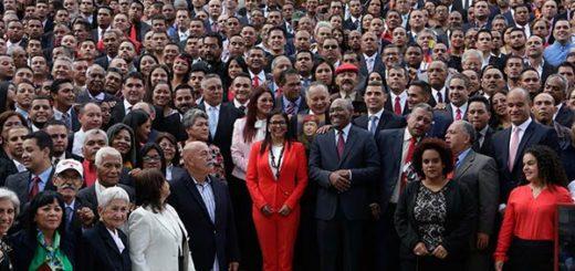 Delcy Rodríguez presidenta de la ANC junto a los Constituyentistas |Foto: cortesía