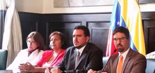 Freddy Guevara, vicepresidente de la AN junto a compañeros parlamentarios |Foto: Prensa AN