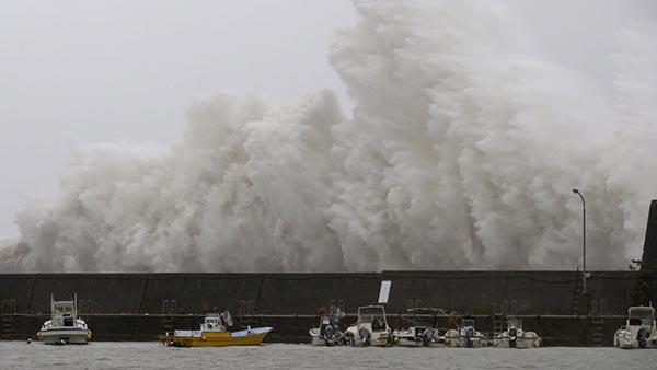 Así se vio el impacto del Tinfón en Hong Kong, Macao y China  Foto: @informativost5