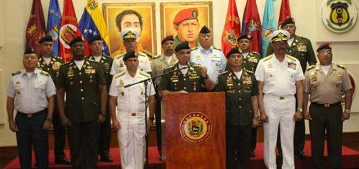Padrino López en compañía del Alto Mando Militar | Foto: @VTVcanal8