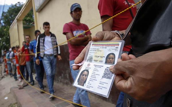 Venezolanos tramitaron el permiso migratorio en Colombia |Foto: AFP