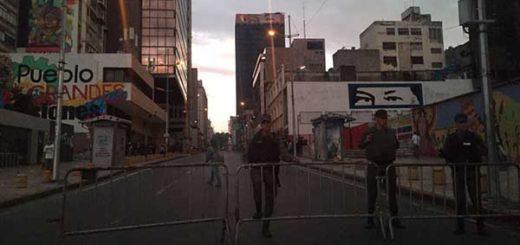 GNB cerró accesos a la Asamblea Nacional desde esta madrugada | Foto: @CarlosEscolar2