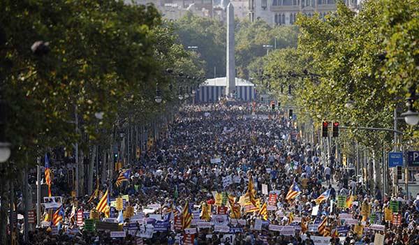 Barcelona marcha contra el terrorista   Foto: EFE