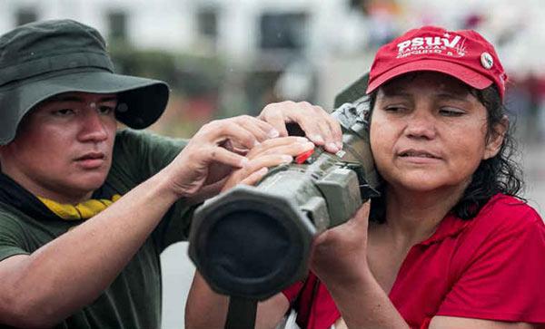 Ejercicio cívico-militar | Foto: EFE