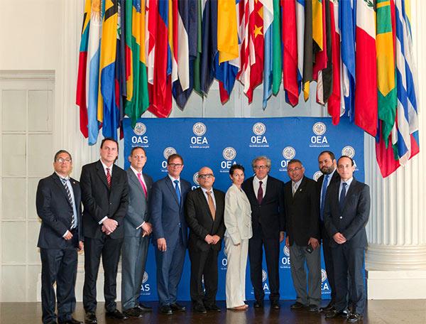 Magistrados del TSJ, designados por la AN junto al secretario de la OEA, Luis Almagro  Foto: EFE