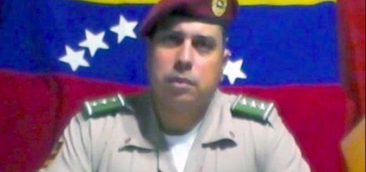 Oficial Juan Caguaripano se alzó también en el 2014 | Foto: Captura de video