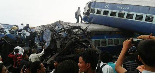 Tren se descarrilla en India   Foto: AFP