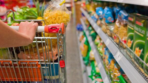Canasta alimentaria familiar superó los dos millones de bolívares en agosto | Referencial