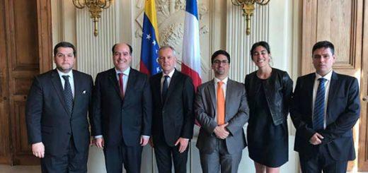 Representantes de la Asamblea Nacional junto a representantes del Senado Francés |Foto: Nota de prensa