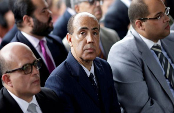 El magistrado Ángel Zerpa, al centro de la imagen, pasó un mes detenido en la sede del Servicio Bolivariano de Inteligencia.   Foto: Reuters
