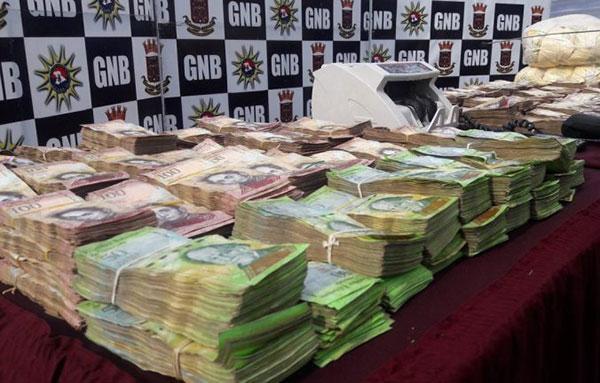 GNB incautó Bs. 1.400.000 y punto de venta usado para avances de efectivo en Anzoátegui | Foto: @S_RiveroM