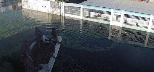Maracay en alerta por fuerte aguacero y desbordamiento del río El Limón | Foto: @odilioe